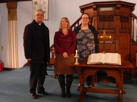 Gainsborough URC's candle lighting service